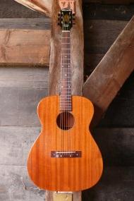 Harmony flattop H165