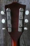 originele Kluson tuners met nieuwe ivoroid knoppen