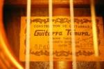 Label van Hiroshi Tamura met stempel en handtekening
